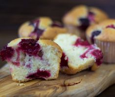 Meggyes muffinok Recept képpel - Mindmegette.hu - Receptek Muffin, Breakfast, Food, Morning Coffee, Essen, Muffins, Meals, Cupcakes, Yemek