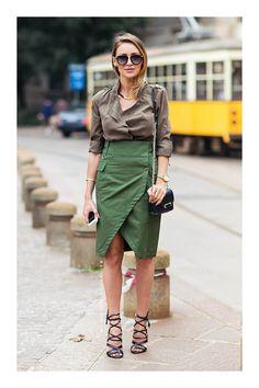The Outfit Database (source : Stockholm Streetstyle ) Military Inspired Fashion, Military Fashion, Autumn Street Style, Street Style Women, Moda Safari, Skirt Fashion, Fashion Outfits, Camo Outfits, Work Fashion