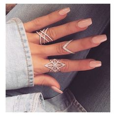 French manicure ⭐️ classic More Source by summer nails ideas + 2 ideas for summer pedicure. Selection of nude nails, colorful nails as well as marble nails. Do It Yourself Nails, How To Do Nails, Hair And Nails, My Nails, Uñas Fashion, Fashion Rings, Daily Fashion, Chanel Fashion, Cheap Fashion