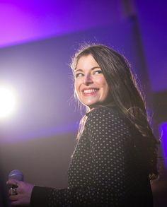 Isabelle, chanteuse du band Acoustic Soul présenté lors du Showcase de Agence 4 Saisons
