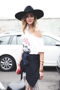 Committing to cowgirl. #ChiaraFerragni keeps her hat on in Milan. #TheBlondeSalad