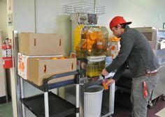 Bon Appétit at Eckerd College St. Petersburg, FL Gets Juiced About Farm-Fresh Oranges Eckerd College, Fresh, Education, House, Bon Appetit, Home, Onderwijs, Learning, Homes