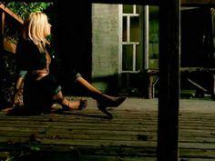 christina aguilera genie in a bottle | Christina Aguilera – Genie In A Bottle (Remix)