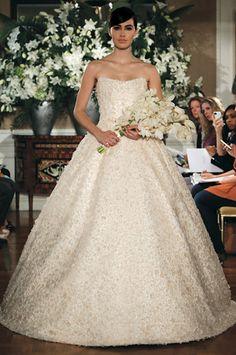 Vestidos de novia Romona Keveza