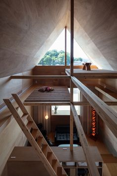 Northern Corridor is a minimalist residence located in Kagoshima, Japan, designed by Yuji Nakahara Architects Architecture Résidentielle, Japanese Architecture, Sustainable Architecture, Japanese Home Design, Japanese House, Japanese Furniture, Weekend House, A Frame Cabin, Tiny Living