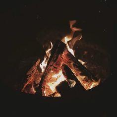 Camping slow motion fire pit #explorebc Fire Photography, Aesthetic Photography Nature, Photography Outfits, Family Photography, Street Photography, Landscape Photography, Portrait Photography, Travel Photography, Fashion Photography
