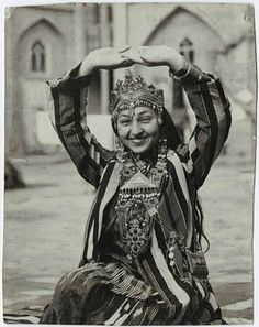 Tamara Khanum. After graduating from the Moscow Theatrical College, Tamara Khanum was selected to be part of the delegation of USSR artists to the 1924 World Exhibition in Paris, where she performed Uzbek dances and songs. This was the first time in modern history that Central Asian dance had been seen in the West. (1924 was also the year that Isadora Duncan performed in Tashkent and Samarkand).