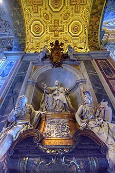 Basilica San Pietro beautiful interior. Roma