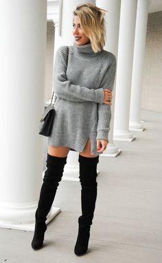 C'est désormais une question récurrente: comment porter les cuissardes cet hiver ? Toute la difficulté consiste à rester sexy sans mourir de froid. Focus : cuissardes noires en daim portées avec une robe pull col roulé gris