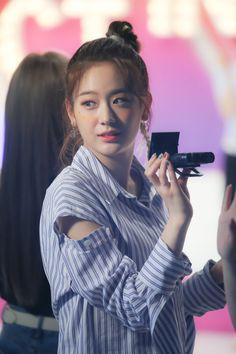 190611 #fromis_9 #프로미스나인 #GYURI #장규리 Pop Group, Girl Group, Secret Code, Ikon, Korean Singer, Feel Good, My Photos, Dancer, Girly