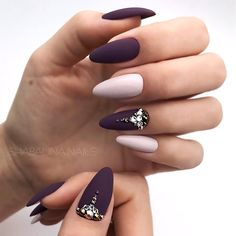 ads ads Two-Tone Manicure With Bold Accents ❤️ For those considering shellac nails, here's all you need to know to get the perfect shellac nails… Shellac Nails, Shellac Nail Colors, Shellac Nail Designs, Manicures, Plum Nails, Color Nails, Manicure Ideas, Nails Design, Classy Nails