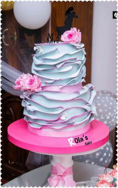 Engagement cake  by Rola sarhan