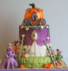 Cinderella Cake, Love the mice! Beautiful Cakes, Amazing Cakes, Fondant Cakes, Cupcake Cakes, Cinderella Birthday, Cinderella Cakes, Super Cookies, Character Cakes, Disney Cakes