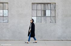 www.andyheart.com Cropped #jeans #coat #mansurgavriel #bag