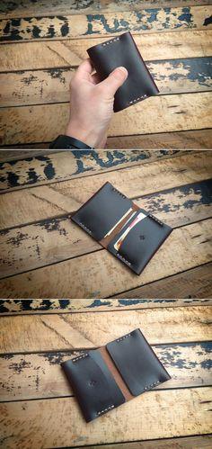 Minimalist Horween Chromexcel Letaher Wallet. #manufacturabrand#accessories #wallet #leather #handmade#leathergoods #everydaycary #vegtanleather#handcraft #handstitched #leathercraft #vegtan#bifoldwallet #bifold #cardholder #cardwallet#horween #horweenwal