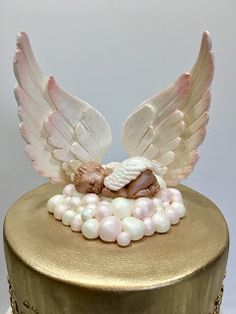 MyMoniCakes: Heaven sent baby shower cake with fondant wings and sleeping angel … - Cake Decorating Simple Ideen Cake With Fondant, Fondant Bow, Fondant Cakes, Fondant Tutorial, Fondant Flowers, Fondant Figures, Baby Girl Shower Themes, Baby Shower Cakes, Baby Christening Cakes