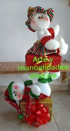 NIEVES ACROBATAS con moldes Mary Christmas, Country Christmas, Christmas 2016, Christmas Wishes, Xmas, Felt Christmas Decorations, Christmas Wreaths, Christmas Crafts, Christmas Ornaments