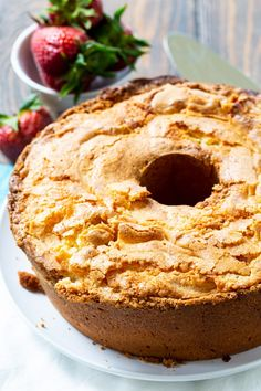 Classic Southern Pound Cake is perfectly moist and buttery with just the right amount of sweetness. The texture is wonderfully tender and it has a thick layer of crackly crust on top. It's probably my favorite pound cake. Southern Desserts, Just Desserts, Delicious Desserts, Dessert Recipes, Food Cakes, Mini Cakes, Cupcake Cakes, Bundt Cakes, Pound Cake Cupcakes