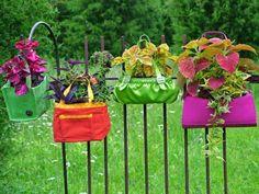 pots fleurs avec des sacs