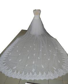 Dit is de achterkant van de prinsessen #bruidsjurk van #bruid Jasmin met de 13 meter lange sleep eraan #weirdcloset