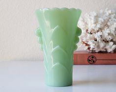 Vintage jadeite vase art deco green glass jadite by SadRosetta
