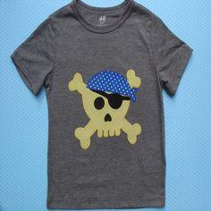 Camiseta con calavera pirata