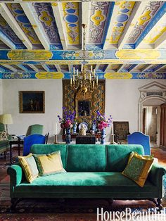 William Christie's French chateau in House Beautiful magazine, photo by Simon Watson ~love the furniture pplacement. Decor, House Design, House Beautiful Magazine, Global Design, Beautiful Homes, Country Interior Design, House Interior, French Country Interiors, Interior Design