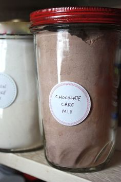 mix without the guilt Vanilla and chocolate cake mix from scratch.Vanilla and chocolate cake mix from scratch. Homemade Cake Mixes, Homemade Spices, Homemade Seasonings, Cookies Cupcake, Cupcakes, Shortbread Cookies, Do It Yourself Food, Chocolate Cake Mixes, Homemade Chocolate