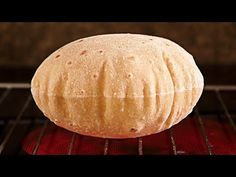 Chapati - Unleavened bread, without oven. In pan! Food From Different Countries, Chapati Recipes, Yeast Free Breads, Comida India, Mexican Food Recipes, Ethnic Recipes, India Food, Pan Bread, How To Make Bread