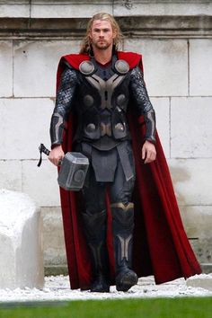 Thor costume diy google search cosplay pinterest thor superhero costumes evolution 42 the evolution of a few superhero costumes photos solutioingenieria Images