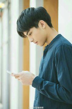 50 Most Popular Asian Hairstyle for Men - New Sites Asian Hair Model, Song Ji Eun, Song Wei Long, Asian Men Hairstyle, Asian Hairstyles, Going Bald, Cute Korean, Ulzzang Boy, Haircuts For Men