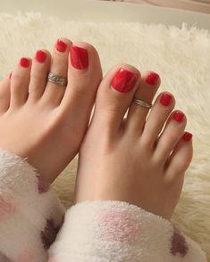Girl's feet lover image Pretty Toe Nails, Cute Toe Nails, Pretty Toes, Feet Soles, Women's Feet, Painted Toe Nails, Red Toenails, Nice Toes, Foot Pics