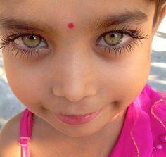 kumikosayuri: Two lovely eyes. Music… sunrise In two lovely eyes. A child's soul. Most Beautiful Eyes, Stunning Eyes, Gorgeous Eyes, Pretty Eyes, Cool Eyes, Beautiful People, Amazing Eyes, Big Eyes, Beautiful Children