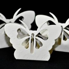White butterfly design paper favour box