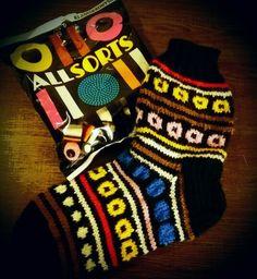 Knitting Videos, Knitting Socks, Candy, Knit Socks, Sweets, Candy Bars, Chocolates