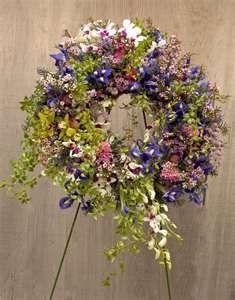 wreaths•♥•.¸¸.•´¯`•.♥