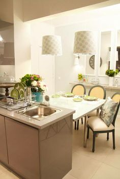 classic kitchen/dining area