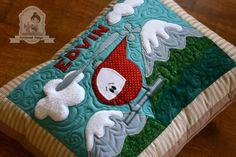 Patchwork kezdőknek – gépi applikálás Quilts, Scrappy Quilts, Amigurumi, Quilt Sets, Log Cabin Quilts, Quilting, Quilt, Afghans