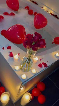Romantic Room Decoration, Romantic Wedding Decor, Romantic Candles, Romantic Home Decor, Romantic Room Surprise, Romantic Date Night Ideas, Diy Gifts Videos, Creative Gifts For Boyfriend, Romantic Honeymoon Destinations