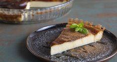 Συνταγή για Γαλατόπιτα από τον Άκη Πετρετζίκη. Υπέροχη, ζουμερή και αφράτη συνταγή για μια ακαταμάχητη γαλατόπιτα. Φτιάξτε την και απολαύστε την όλες τις ώρες.