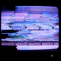 TV Glitch      GIF     FayLynn