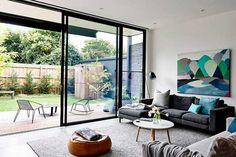 Esta casa reformada llena de sorpresas es una mezcla perfecta entre minimalismo y decoración divertida, qué parte te gustará más?