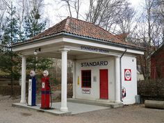 old gas stations | Old-Fashioned Gas Station