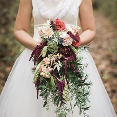 Fabulous winter floral design, sentimental details, and a lot of love! Image by Alysia & Jayson Photography