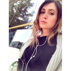 Lysandre Nadeau, Baggy, Hui, Starbucks, Queens, Instagram Posts, Apple Products, La Perla Lingerie, Profile