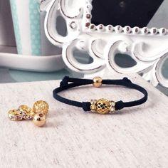 Pretty knotted charm bracelet tutorial. Easy #DIY, friendship bracelet!