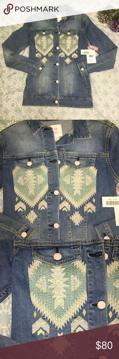 LuLaRoe NWT Denim Jacket BEAUTIFUL, brand new denim jacket with  embroidered-looking Santa Fe 2670dc1bf3