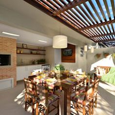 Pergola With Glass Roof Concrete Backyard, Backyard Pergola, Gazebo, Pergola Ideas, Latte, Pergola Lighting, Wooden Pergola, Small Places, Retractable Canopy