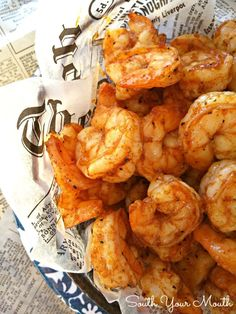 Super easy recipe with just a few ingredients that cooks up quick in the oven. Perfect for entertaining! Super easy recipe with just a few ingredients that cooks up quick in the oven. Perfect for entertaining! Shrimp Appetizers, Shrimp Dishes, Fish Dishes, Shrimp Recipes, Fish Recipes, Party Recipes, Broiled Shrimp, Cooked Shrimp, Easy Appetizer Recipes