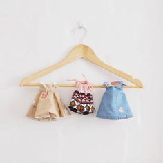 Cutesy doll clothes hand made for Floppies Diy Curtains, Rag Dolls, Softies, Creative Inspiration, Diy Tutorial, Fabric Crafts, Doll Clothes, Blog, How To Make